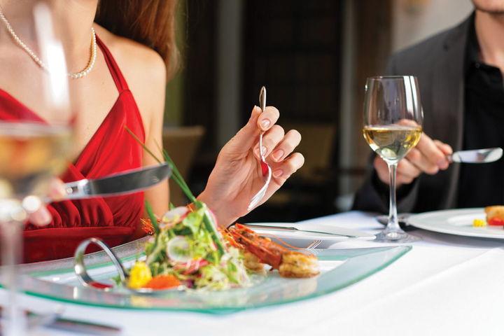 Держи вилку востро: правила столового этикета