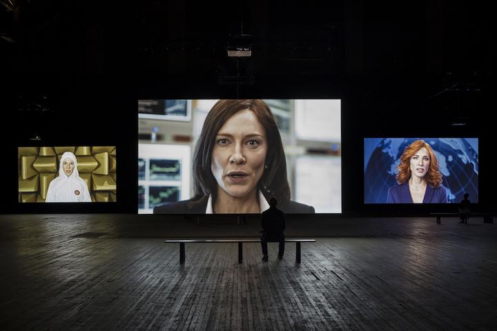 От видеоарта до медиаинсталляции: Power of display. Движущийся зритель и движущаяся картинка