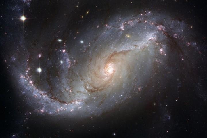 Взгляд на современную космологию - от Эйнштейна до наших дней