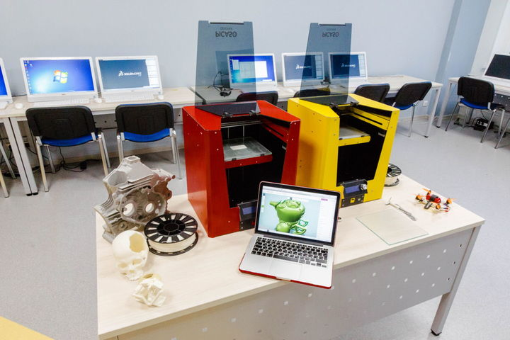 Бесплатная экскурсия по лабораториям Школы 3D-печати Московского авиационного института!