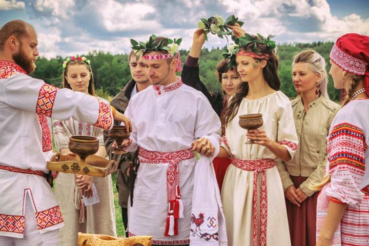 Английский клуб: Traditions in Different Countries (Традиции в разных странах)