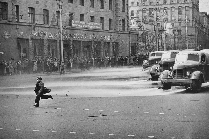Открытие юбилейной выставки классика советского фото Леонида Лазарева