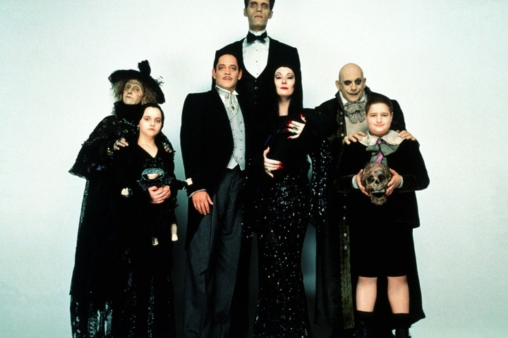 Бесплатный кинопоказ на английском: The Addams Family (Семейка Аддамс)
