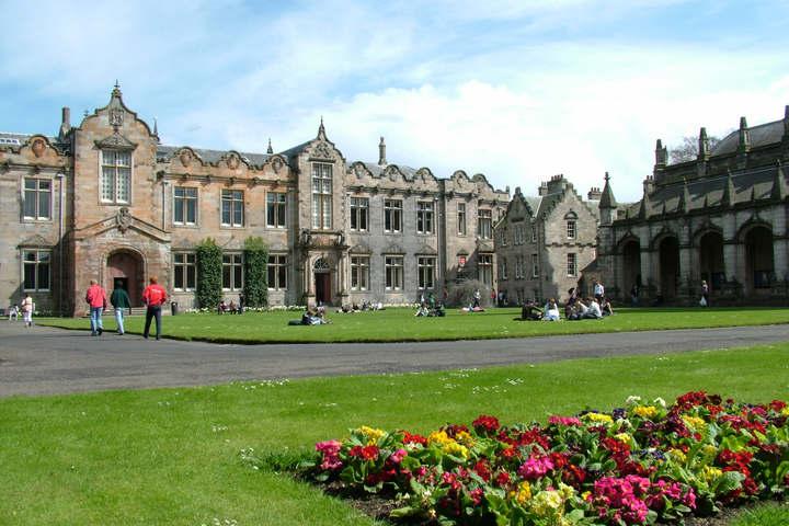 Индивидуальные консультации с представителем University of St Andrews (UK)