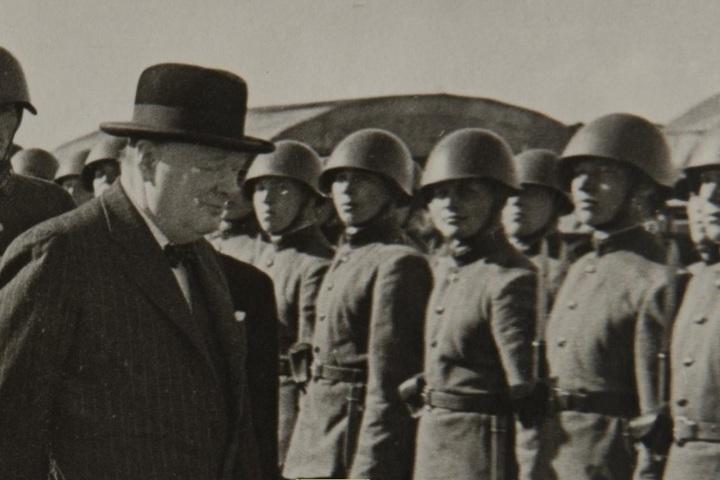 """Черчилль — премьер воюющей Британии"""
