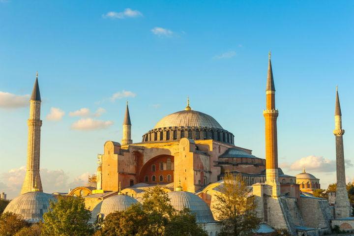 Город, которого нет. Тысячелетие архитектуры Константинополя