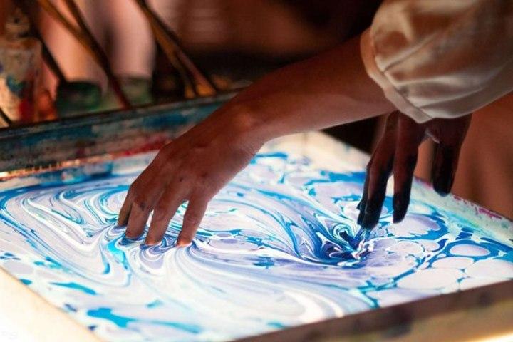 Рисование в технике Эбру (искусство создания рисунков на воде)
