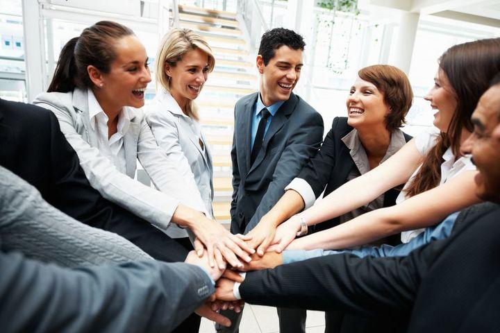 «Современная коалиция» – друзья, родственники и личная жизнь на пороге третьего тысячелетия