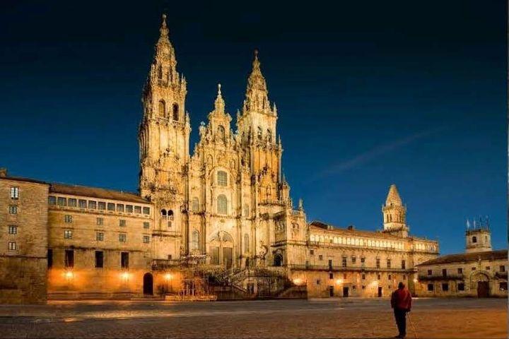 На пути к Сантьяго-де-Компостела: искусство и загадки паломнических маршрутов