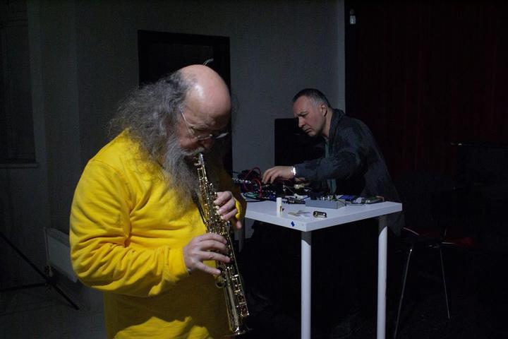 Двухчастный музыкальный перформанс «Вечер импровизационной музыки»