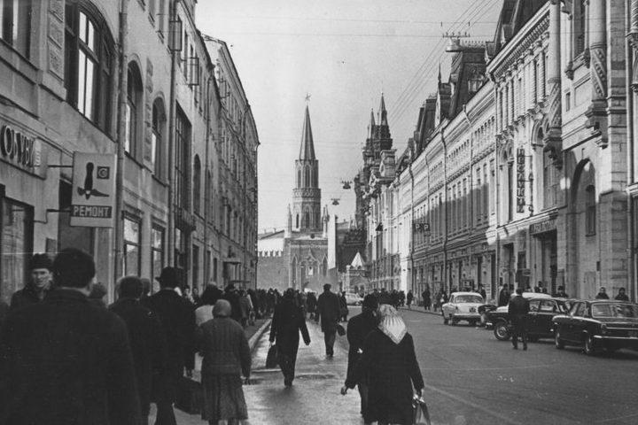 Прогулка по Никольской улице с посещением обзорной площадки на крыше ЦДМ